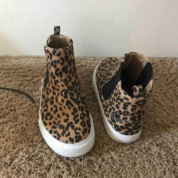 Old Navy Other - Kids cheetah Old Navy booties